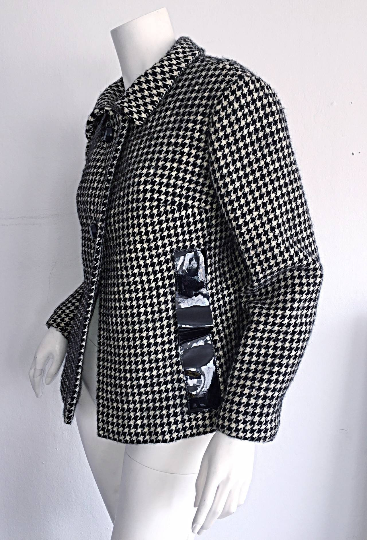 Women's 1960s Pierre Cardin Black + White Houndstooth Space Age Jacket For Sale