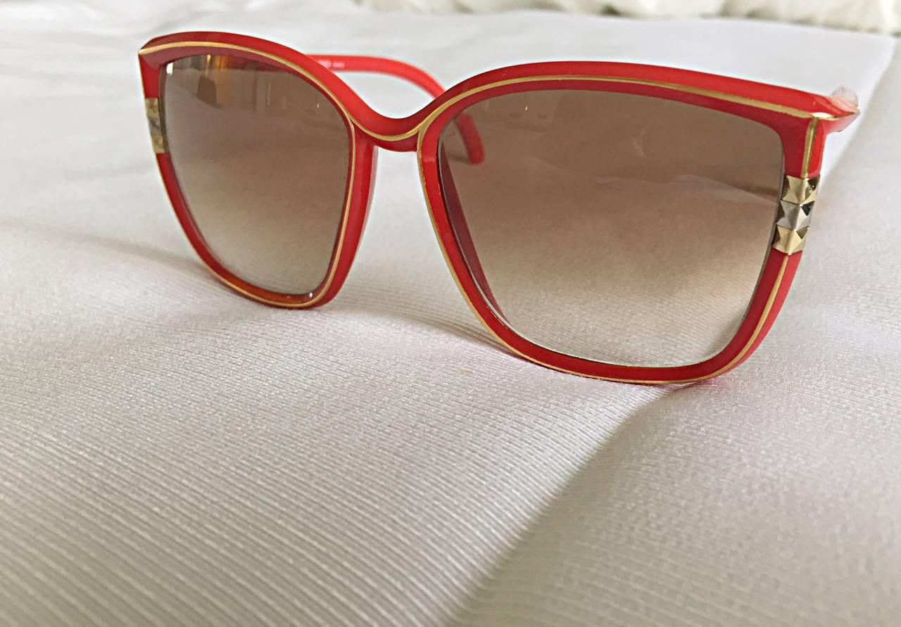 1970s Leonard Vintage Red Cat Eye Oversized Runway Sunglasses / Glasses 9