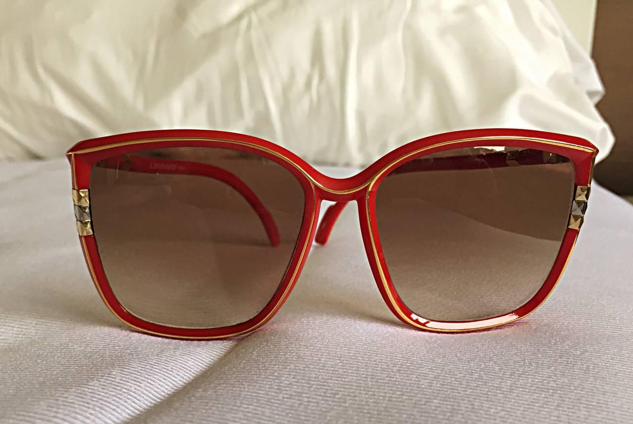 1970s Leonard Vintage Red Cat Eye Oversized Runway Sunglasses / Glasses 10