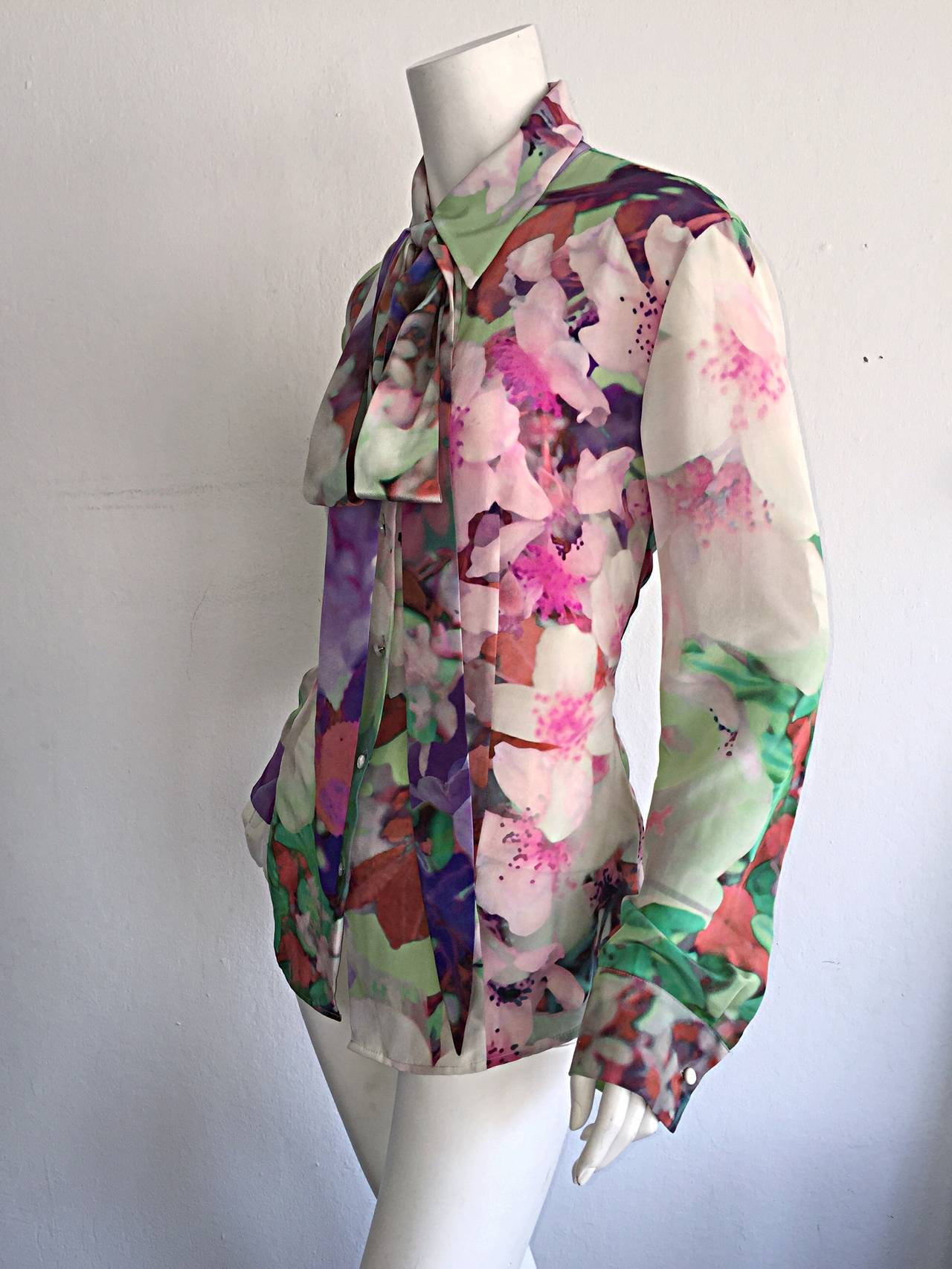 Beautiful Escada Silk Watercolor Blouse w/ Deteachable Neck Tie + Belt 5