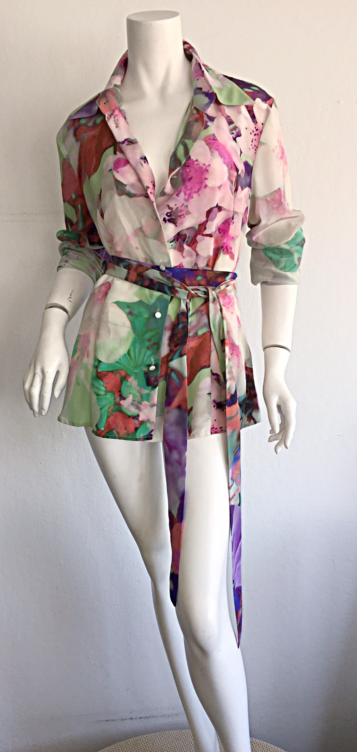 Beautiful Escada Silk Watercolor Blouse w/ Deteachable Neck Tie + Belt 8