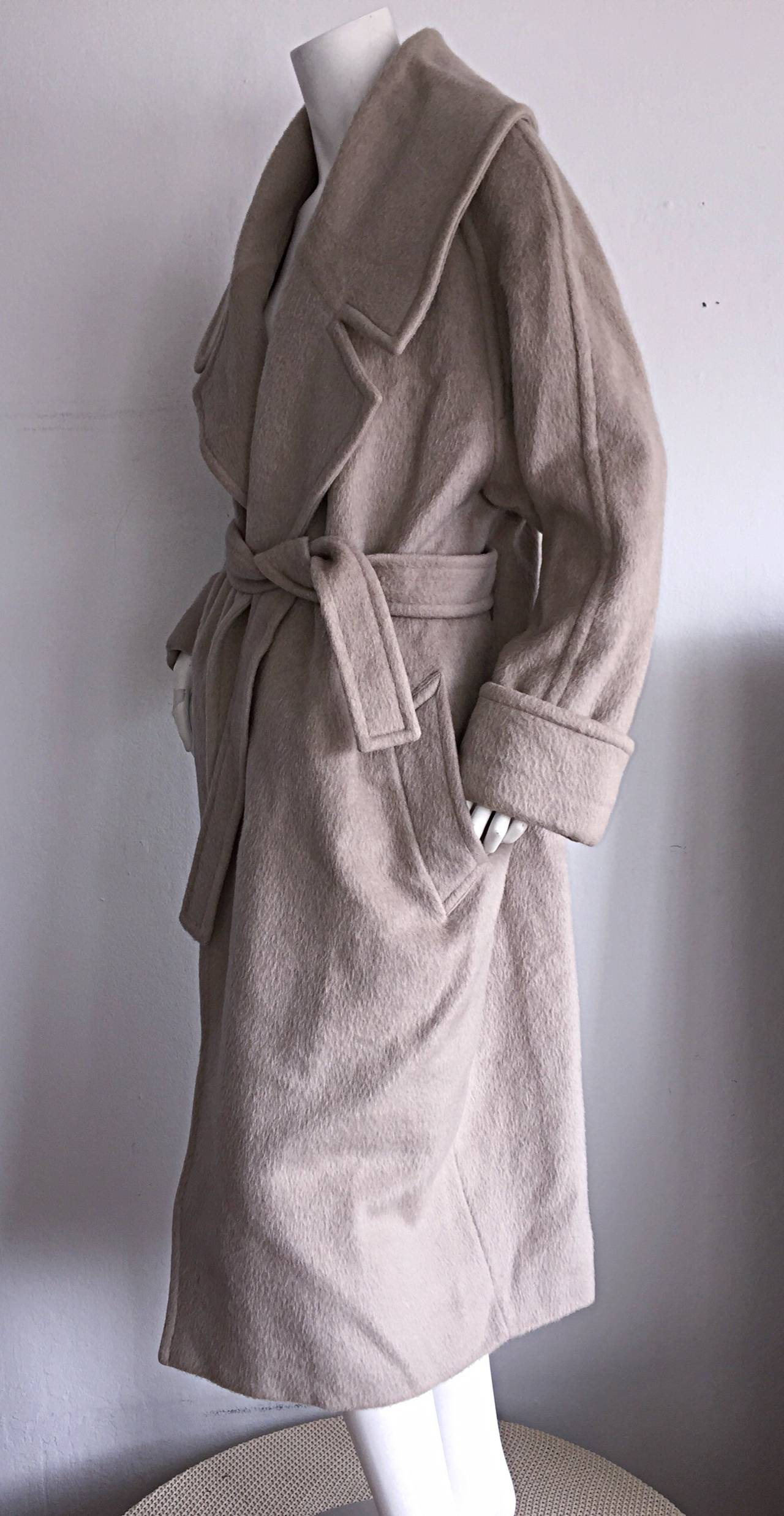 Gray Stylish Vintage Guy Laroche Alpaca + Wool Taupe Wrap Blanket Jacket / Coat For Sale