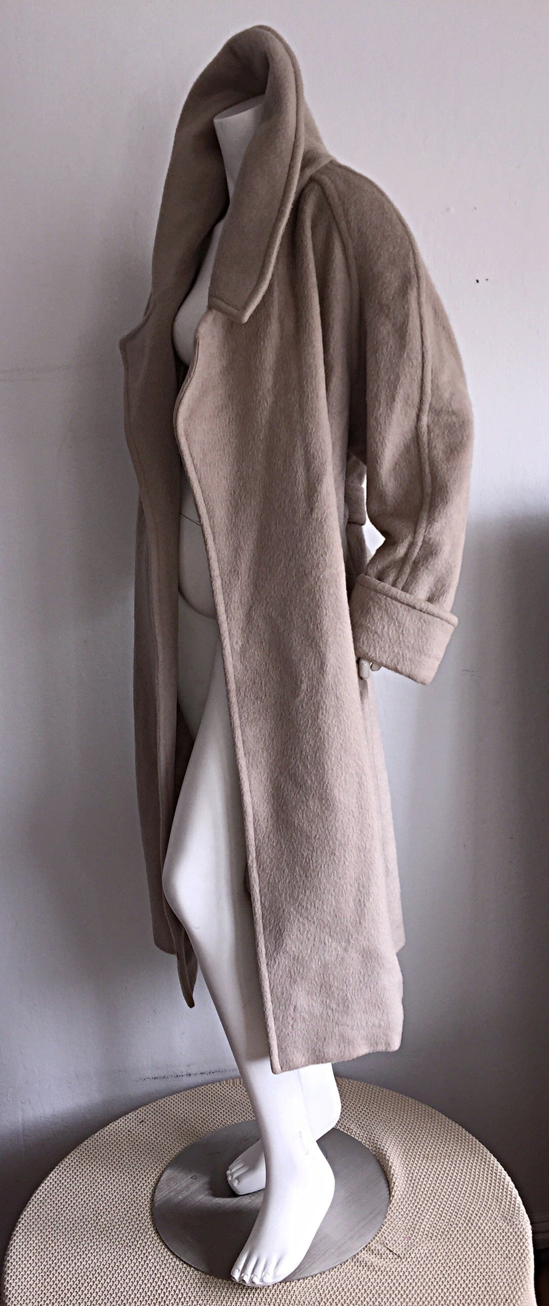 Stylish Vintage Guy Laroche Alpaca + Wool Taupe Wrap Blanket Jacket / Coat For Sale 3