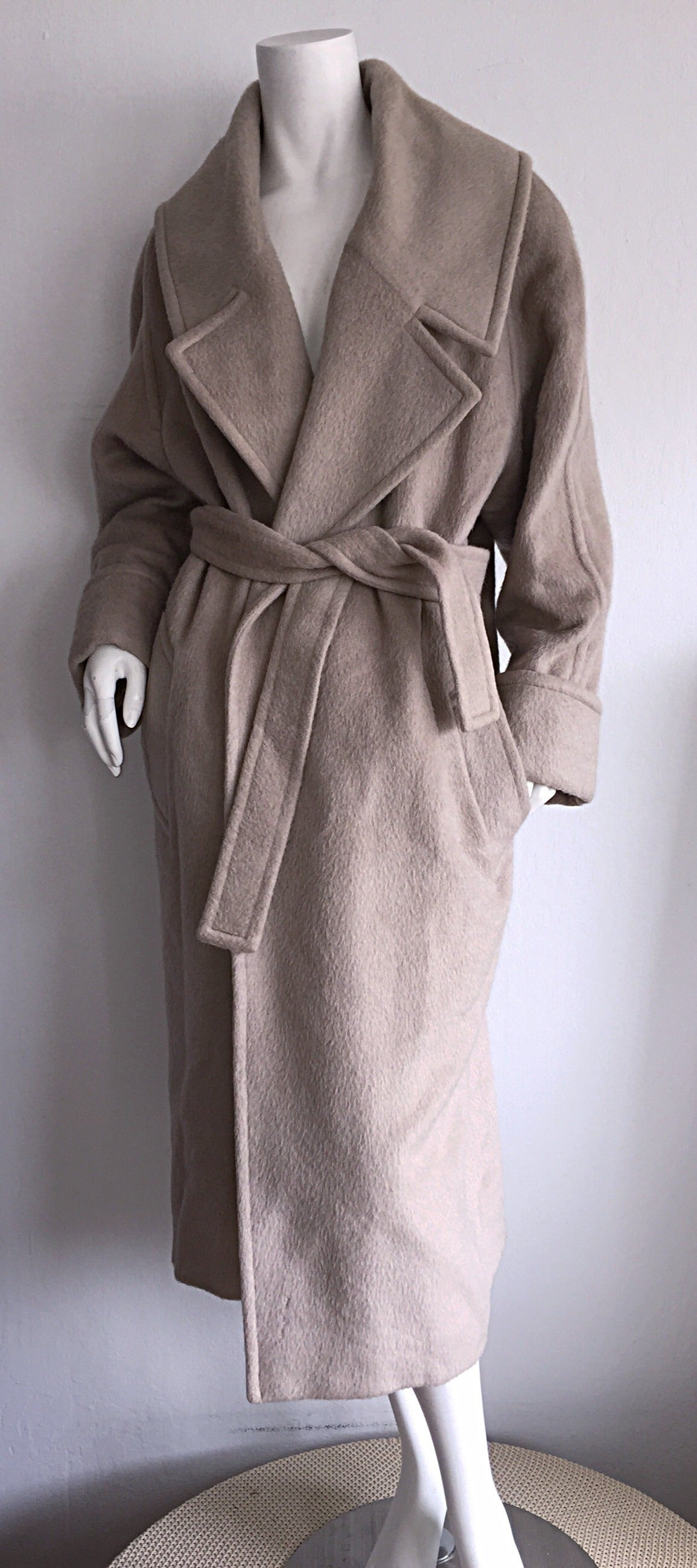 Stylish Vintage Guy Laroche Alpaca + Wool Taupe Wrap Blanket Jacket / Coat For Sale 4