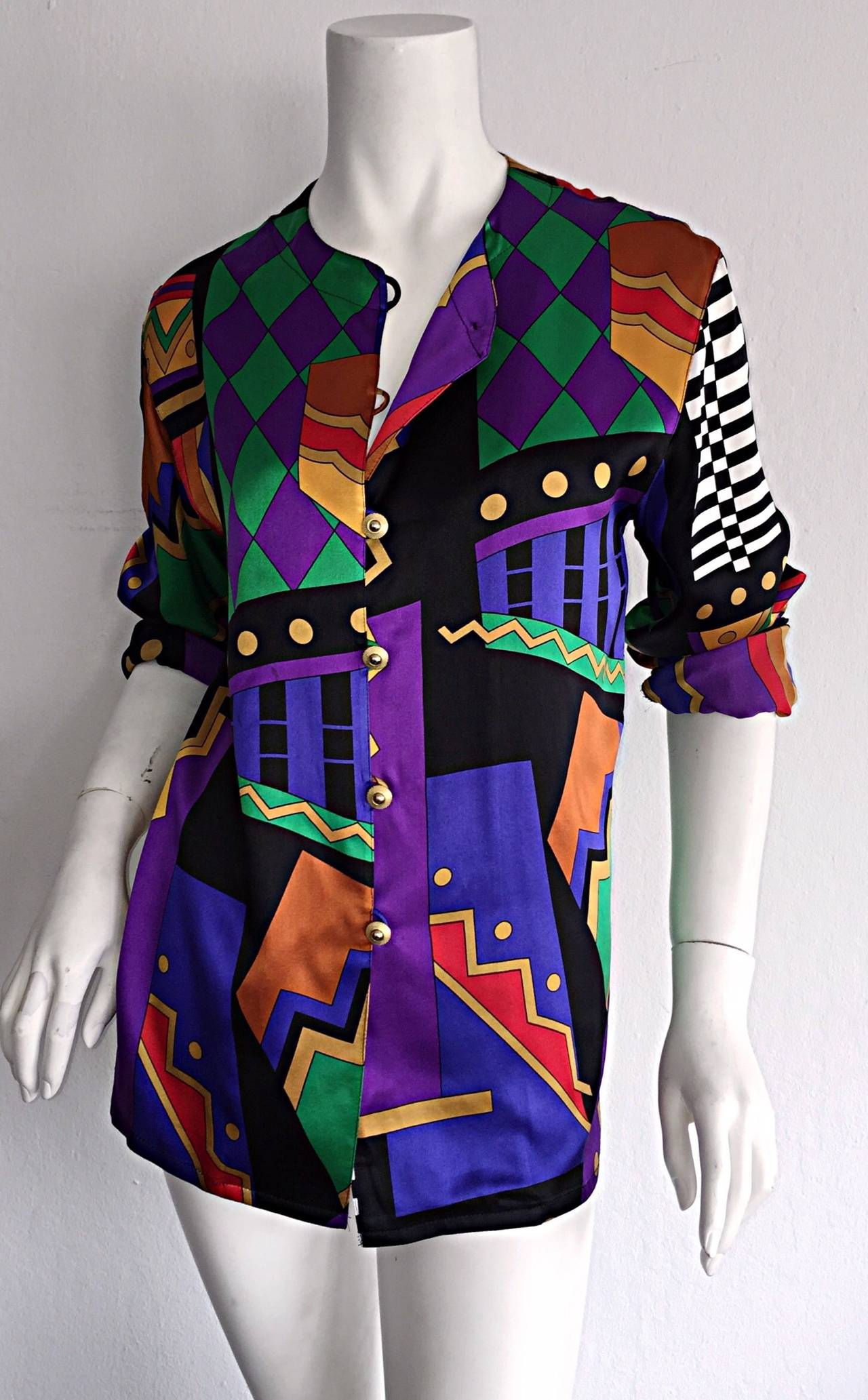 Vintage Louis Feraud Abstract Geometric Print Silk Blouse w/ Gold Buttons In Excellent Condition For Sale In San Francisco, CA