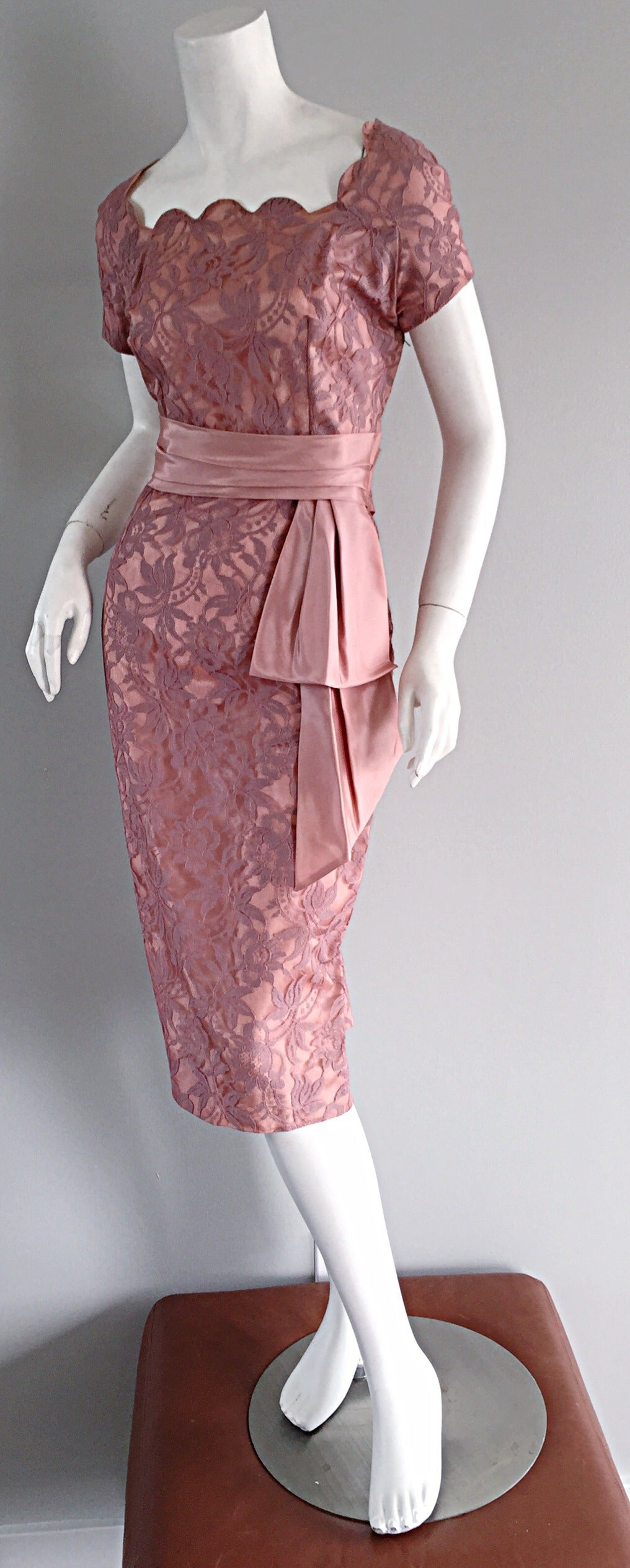 Beautiful Vintage 1950s 50s Pink Lace Wiggle Dress w/ Scalloped Edges 2