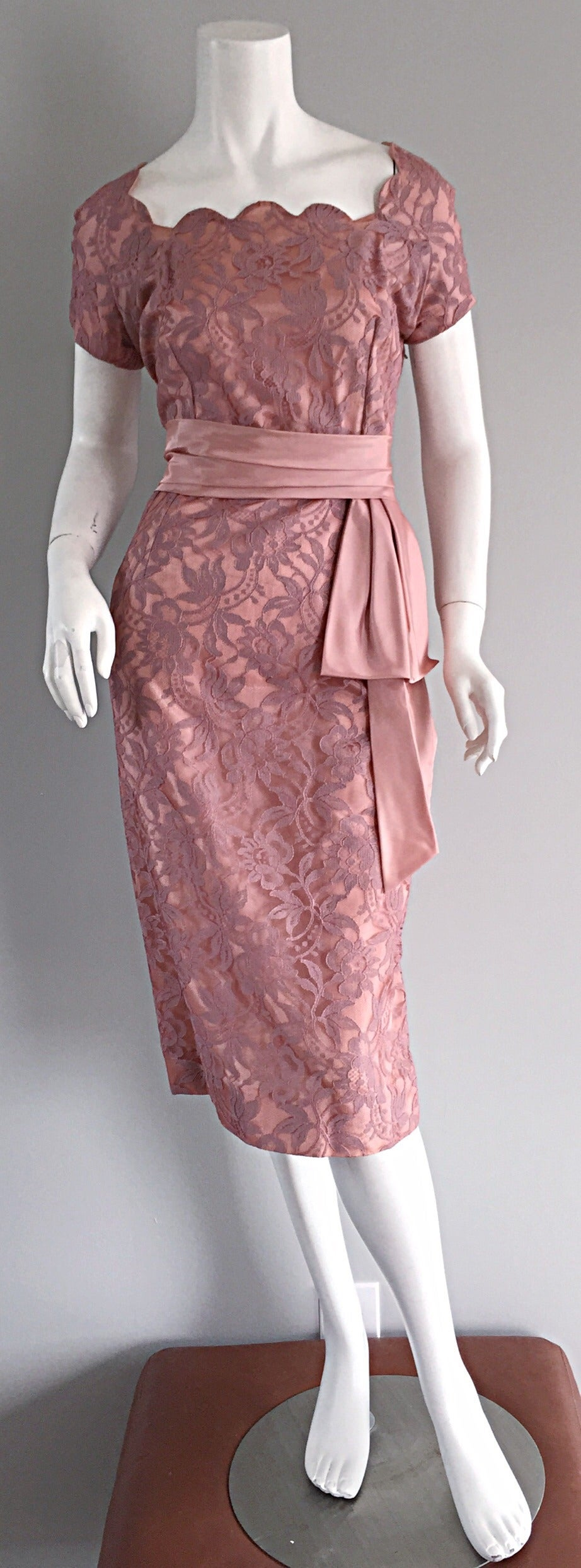 Beautiful Vintage 1950s 50s Pink Lace Wiggle Dress w/ Scalloped Edges 3