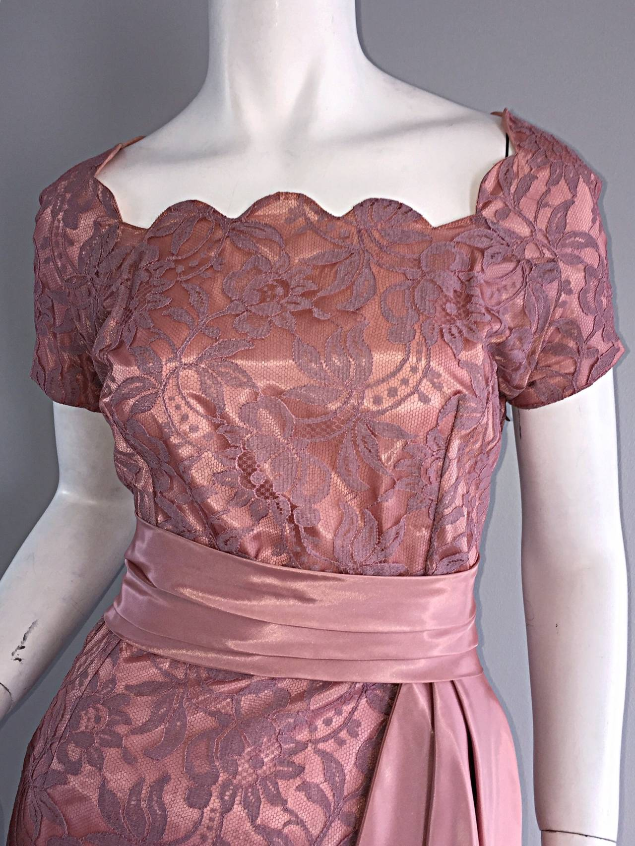Beautiful Vintage 1950s 50s Pink Lace Wiggle Dress w/ Scalloped Edges 4