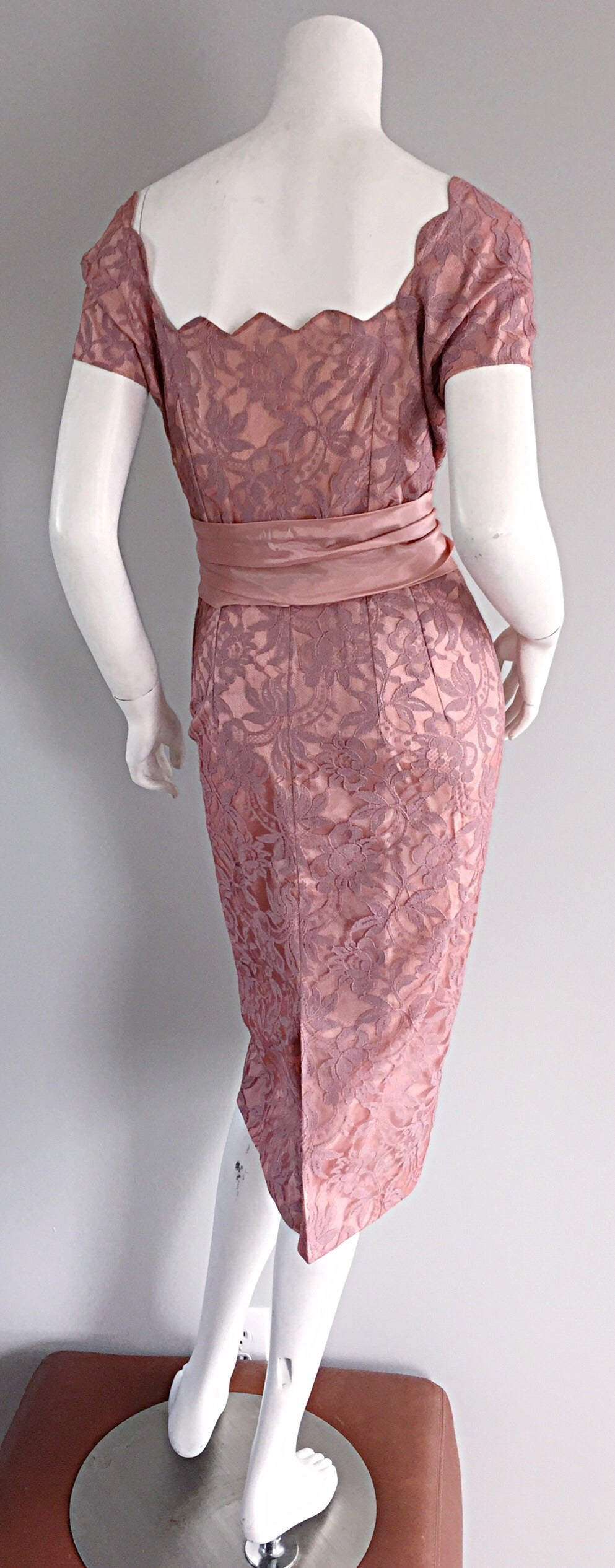 Beautiful Vintage 1950s 50s Pink Lace Wiggle Dress w/ Scalloped Edges 5