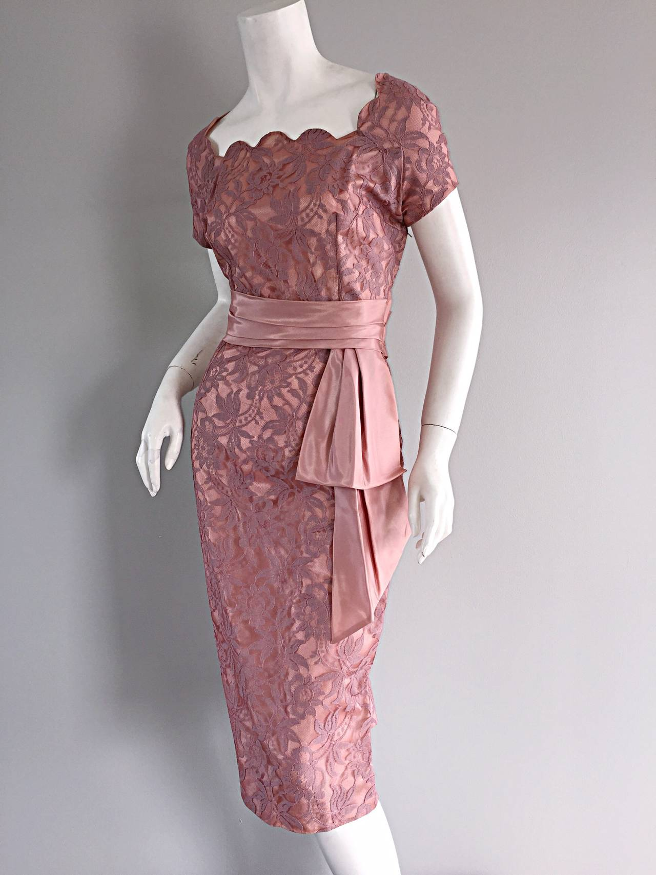 Beautiful Vintage 1950s 50s Pink Lace Wiggle Dress w/ Scalloped Edges 6