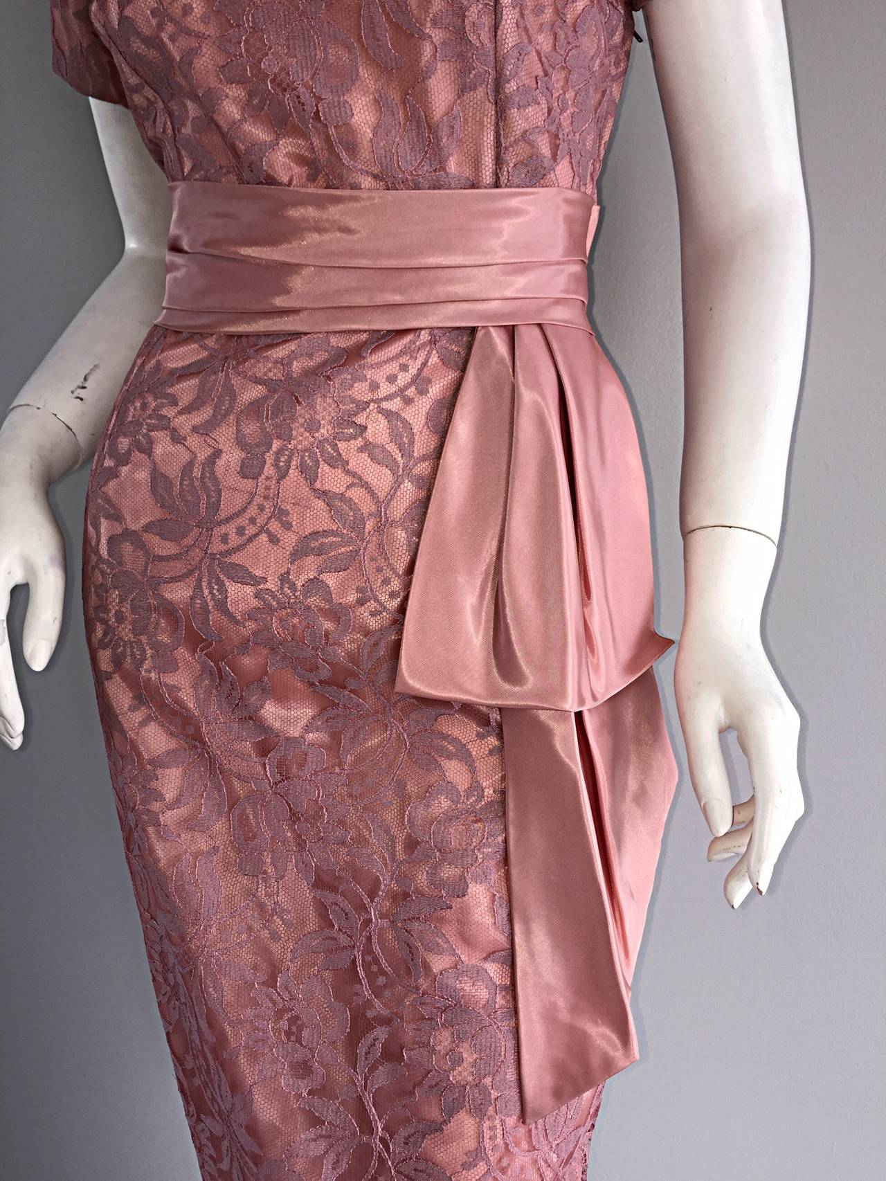 Beautiful Vintage 1950s 50s Pink Lace Wiggle Dress w/ Scalloped Edges 8