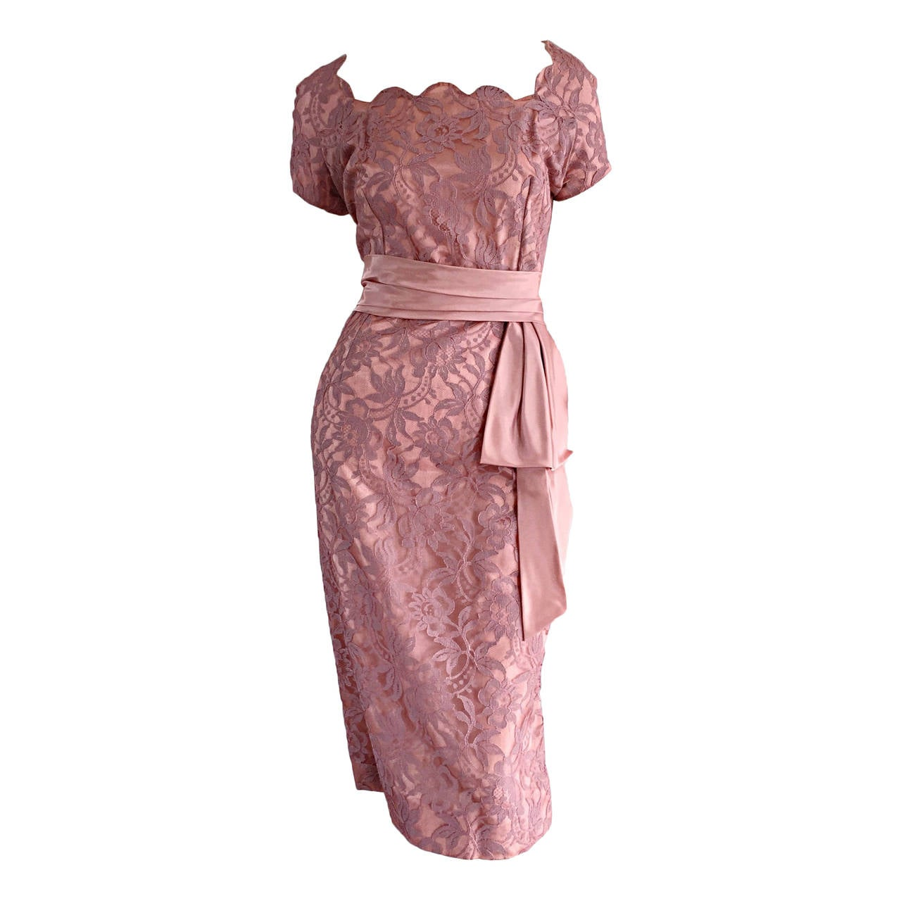 Beautiful Vintage 1950s 50s Pink Lace Wiggle Dress w/ Scalloped Edges 1