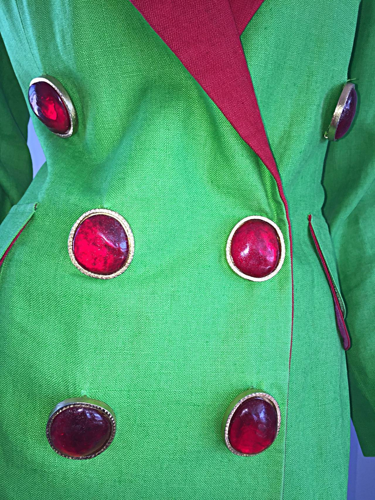 Incredible Vintage Gemma Kahng Green + Red Blazer w/ Gripoix Buttons In Excellent Condition For Sale In Chicago, IL