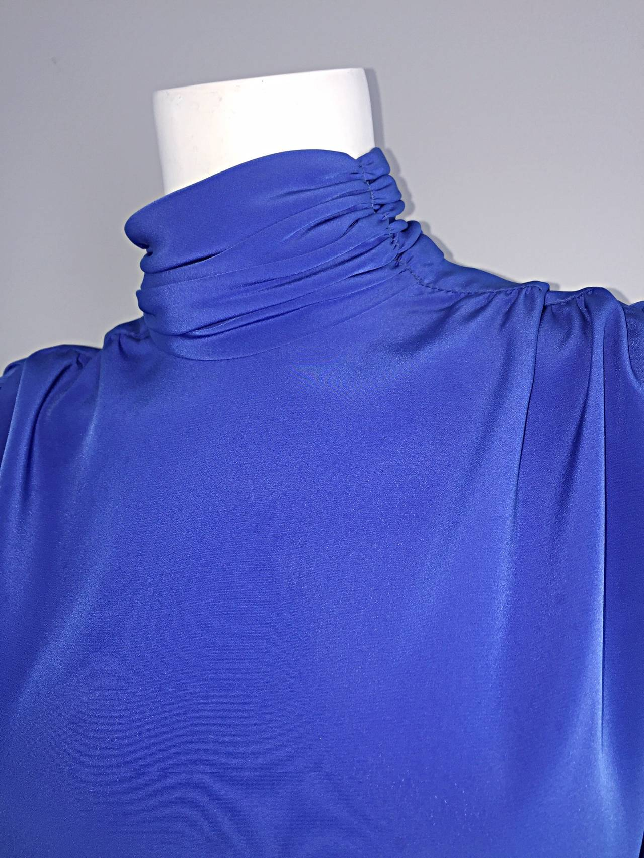 St. John Blue Silk Vintage Secretary Shirt Blouse w/ Puff Sleeves 6