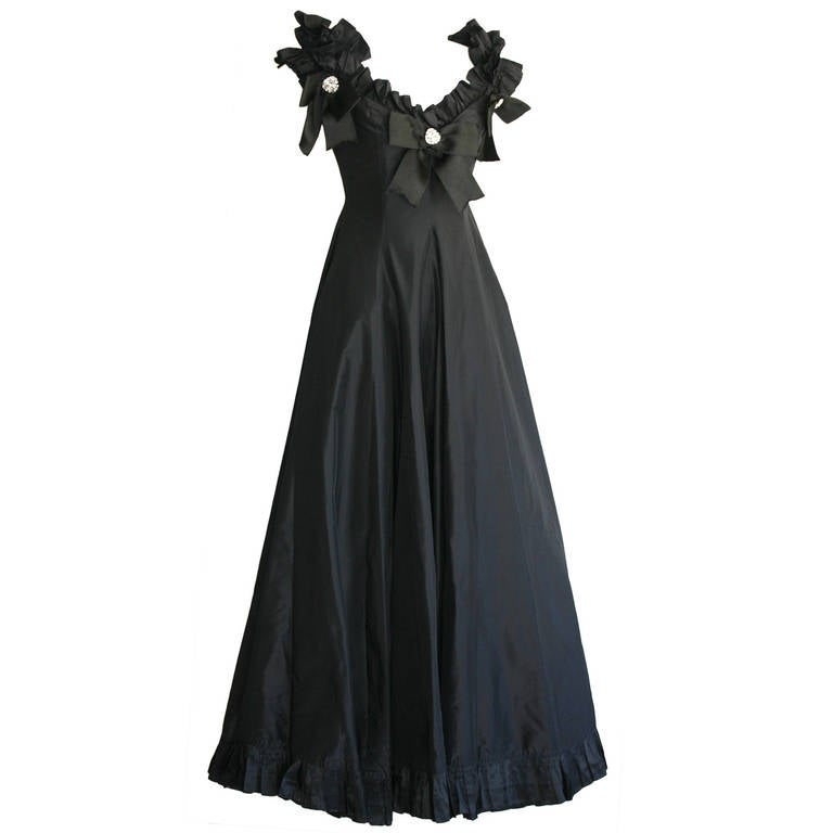 Gorgeous Vintage Oscar de la Renta Off-Shoulder Black Ball Gown