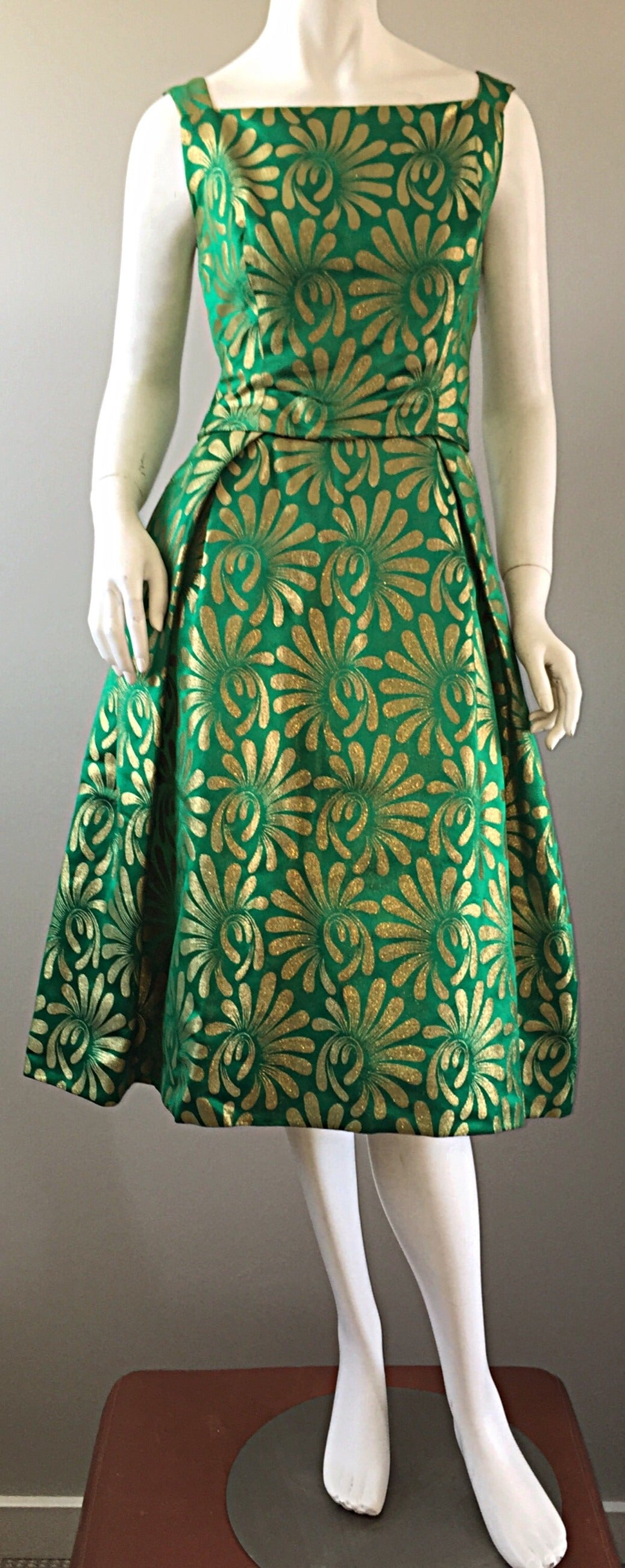 1950s 50s Vintage Blauner for Bonwit Teller Green + Gold ' New Look ' Silk Dress 2