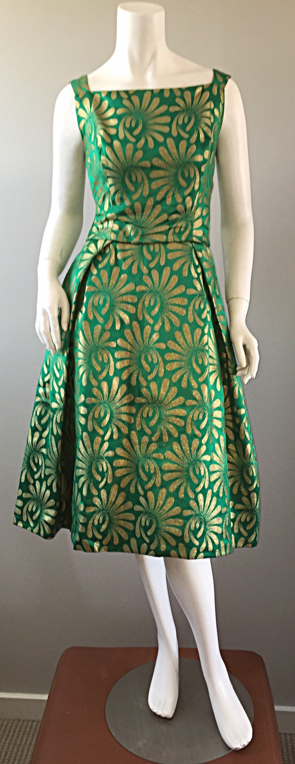 1950s 50s Vintage Blauner for Bonwit Teller Green + Gold ' New Look ' Silk Dress 9