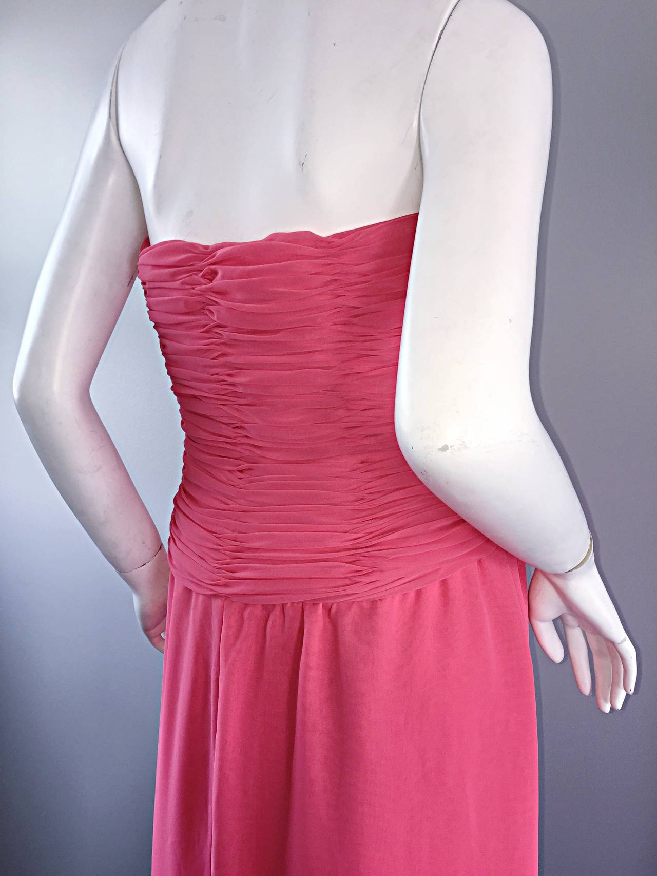 Women's Victor Costa Coral Pink Strapless Flowy Knotted Vintage Cocktail Dress Size 8 10 For Sale