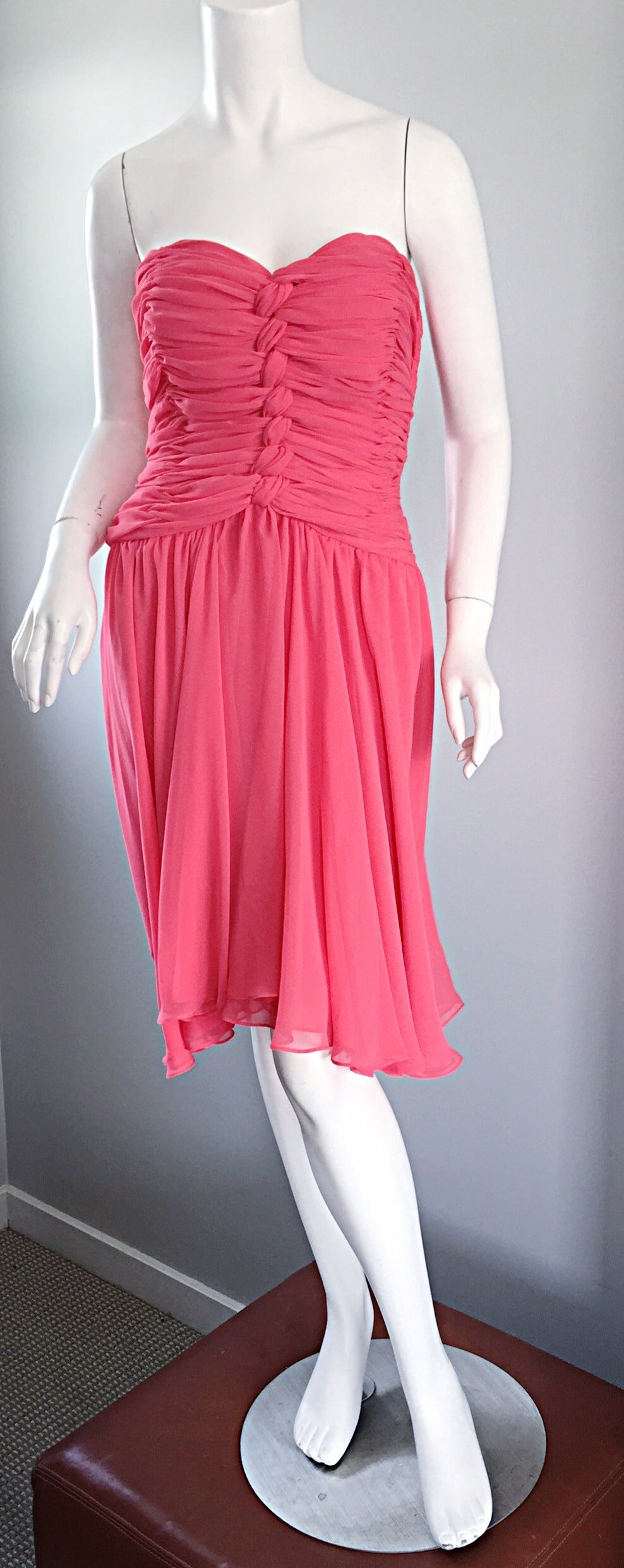 Victor Costa Coral Pink Strapless Flowy Knotted Vintage Cocktail Dress Size 8 10 For Sale 1