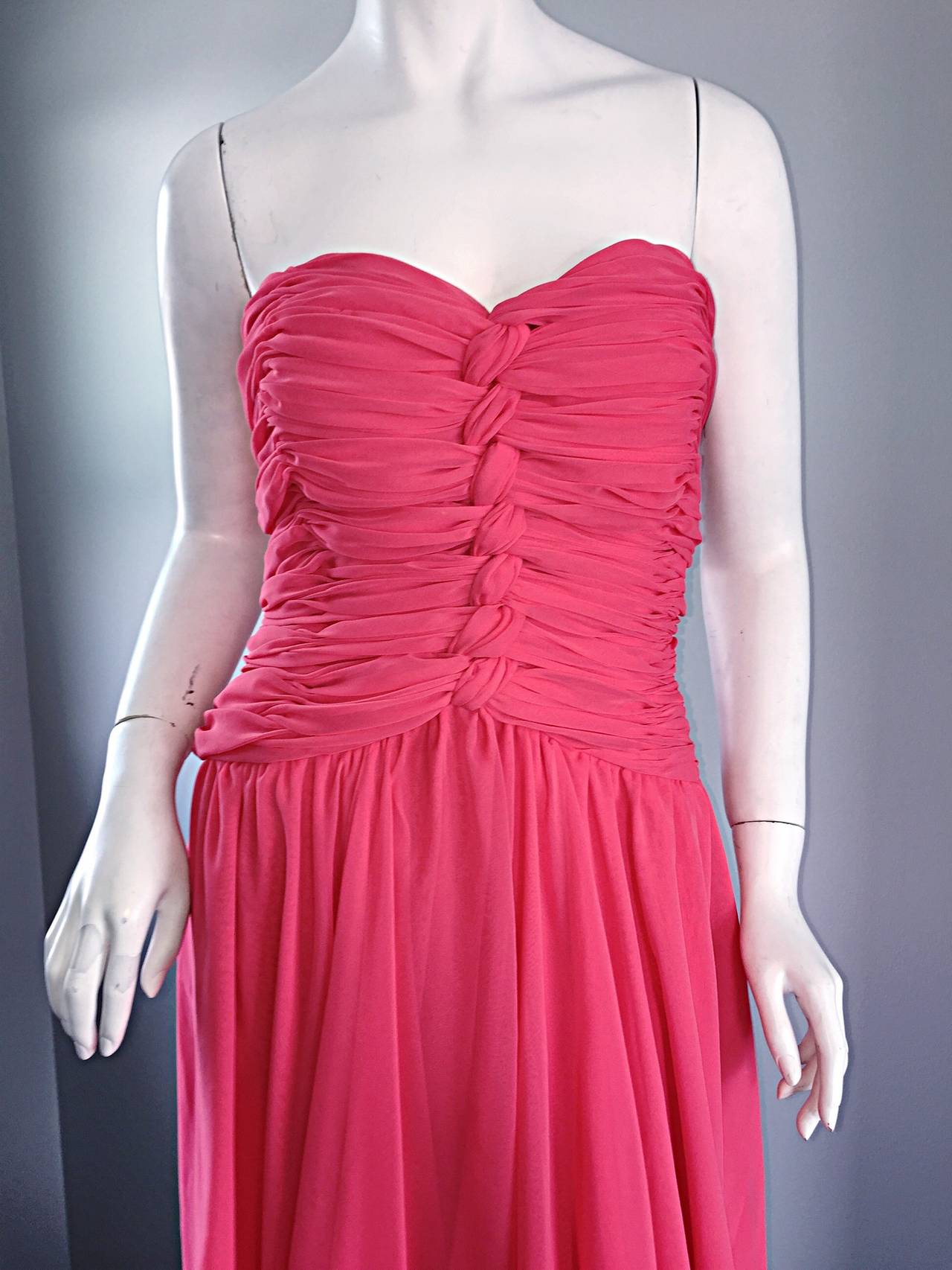 Victor Costa Coral Pink Strapless Flowy Knotted Vintage Cocktail Dress Size 8 10 For Sale 2