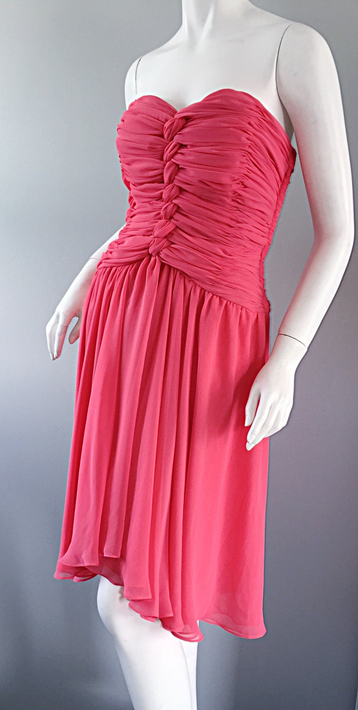 Victor Costa Coral Pink Strapless Flowy Knotted Vintage Cocktail Dress Size 8 10 For Sale 3