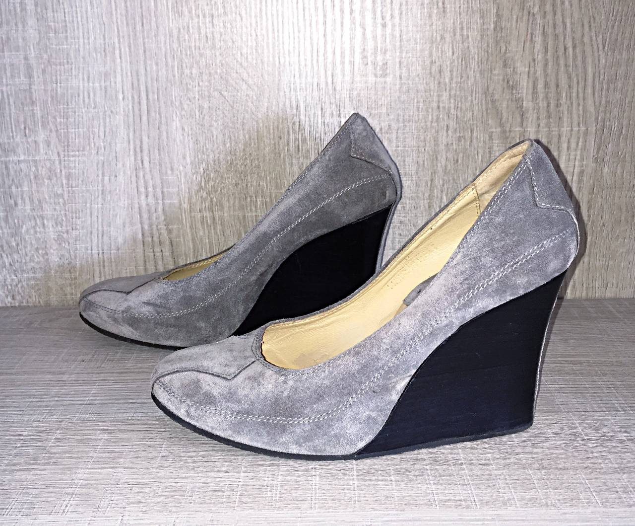Women's Never Worn Goldenbleu Gray Shoes / Wedges Size 36.5 / 6 - 6.5 Made in Italy For Sale