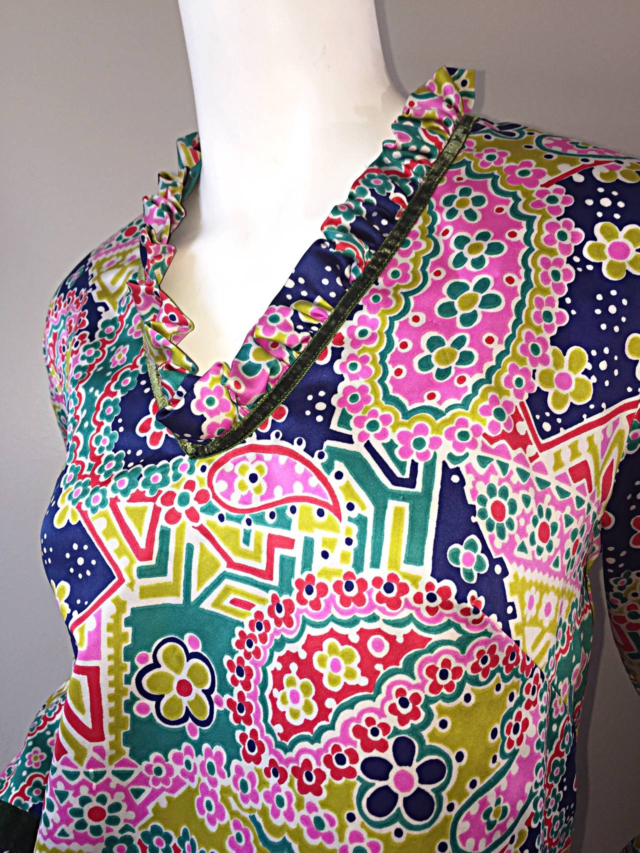 Beige Psychedelic 1970s 70s Paisley + Floral Multi - Color Boho Top / Blouse / Tunic For Sale