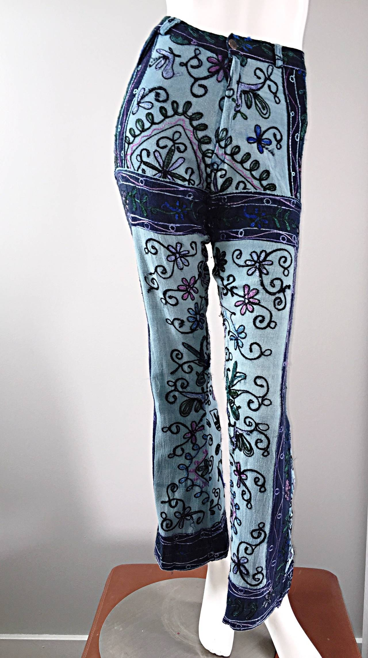 Amazing 1970s 70s Embroidered Boho Flared Leg Vintage Denim Blue Jeans For Sale 4