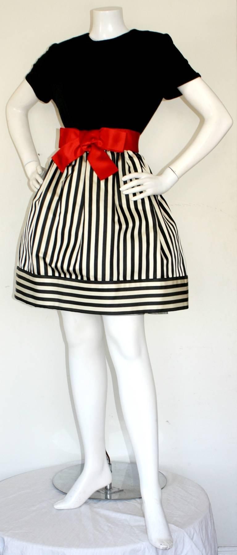 Women's Bill Blass Vintage Black & White Stripe Dress w/ Red Bow Belt For Sale