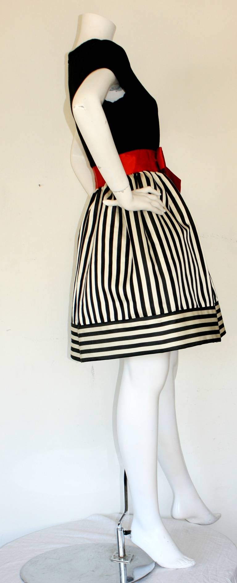 Bill Blass Vintage Black & White Stripe Dress w/ Red Bow Belt 6