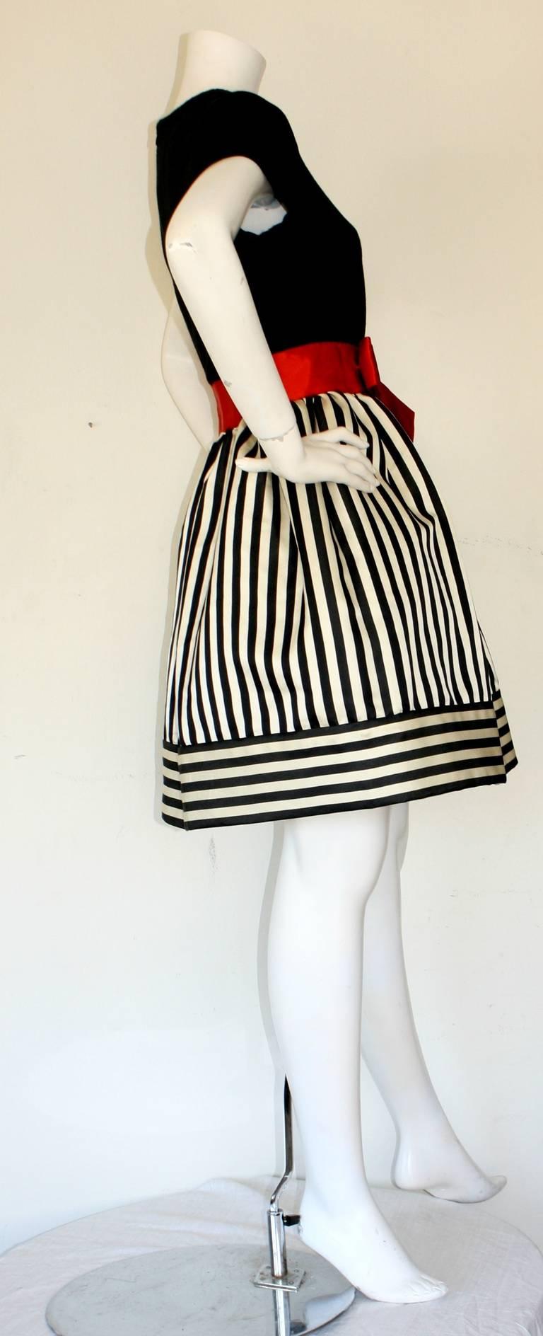 Bill Blass Vintage Black & White Stripe Dress w/ Red Bow Belt For Sale 2