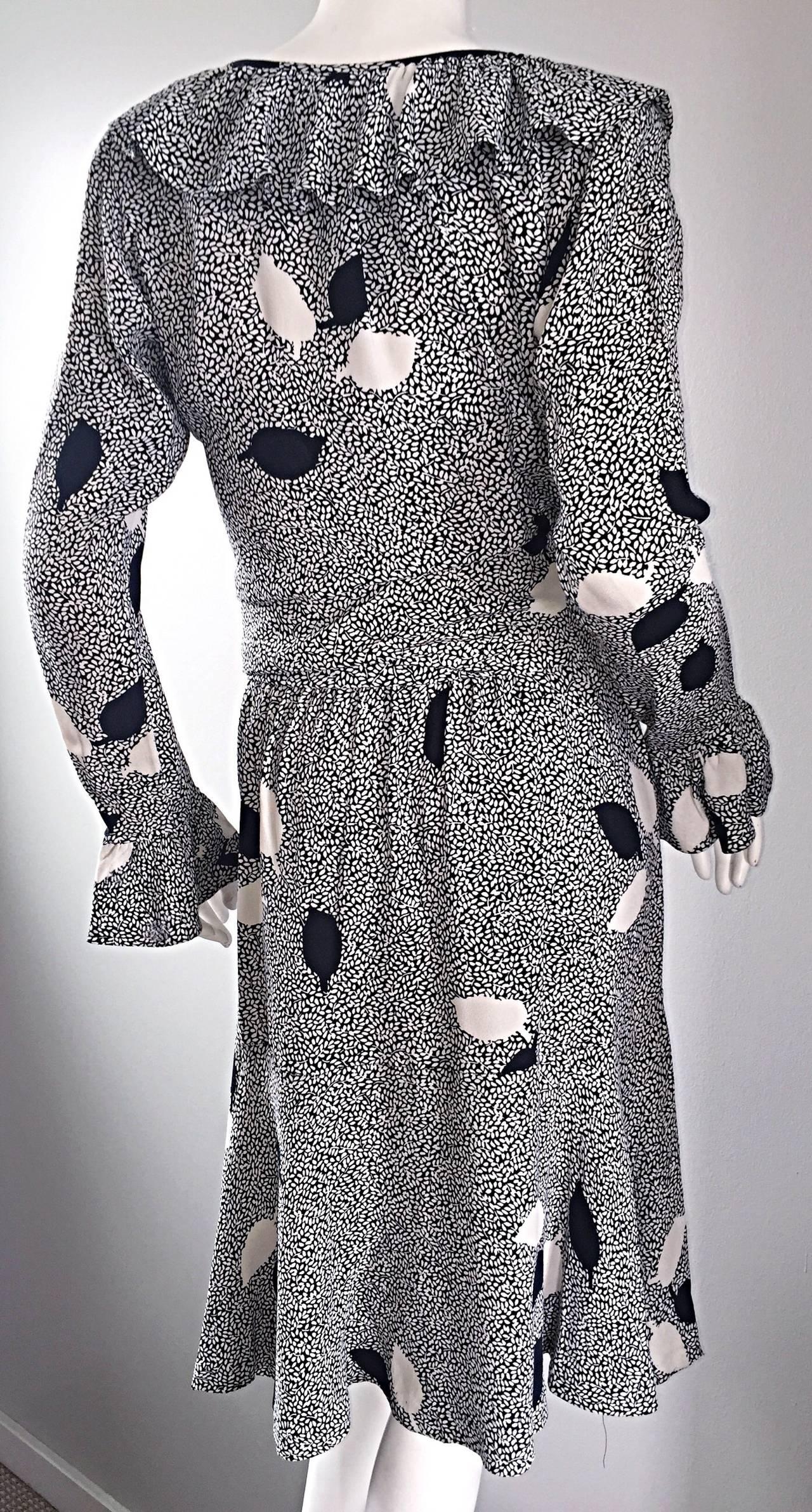 Vintage Yves Saint Laurent 1980s ' Rive Gauche ' Black + White Leaf Dress & Sash In Excellent Condition For Sale In Chicago, IL