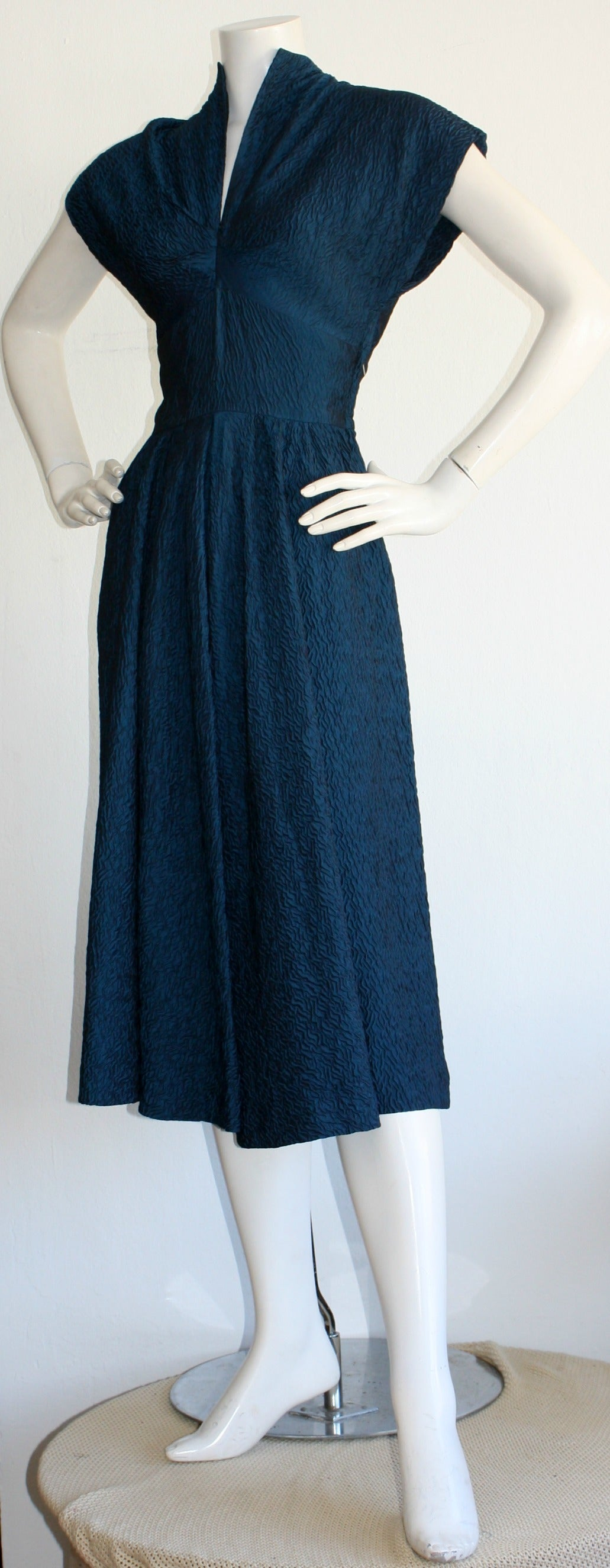 Ultimate Vintage 1940s Dress Blue Textured Silk W/ Dramatic Neck 5