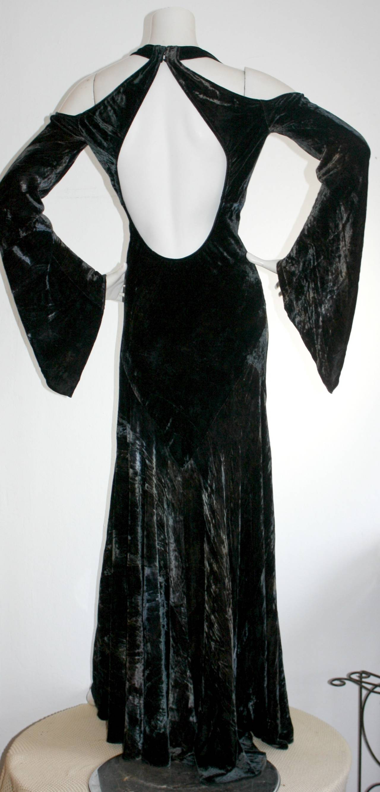 Vintage Donna Karan Ombré Crushed Velvet Blue & Green Open Back Runway Gown In Excellent Condition For Sale In San Francisco, CA