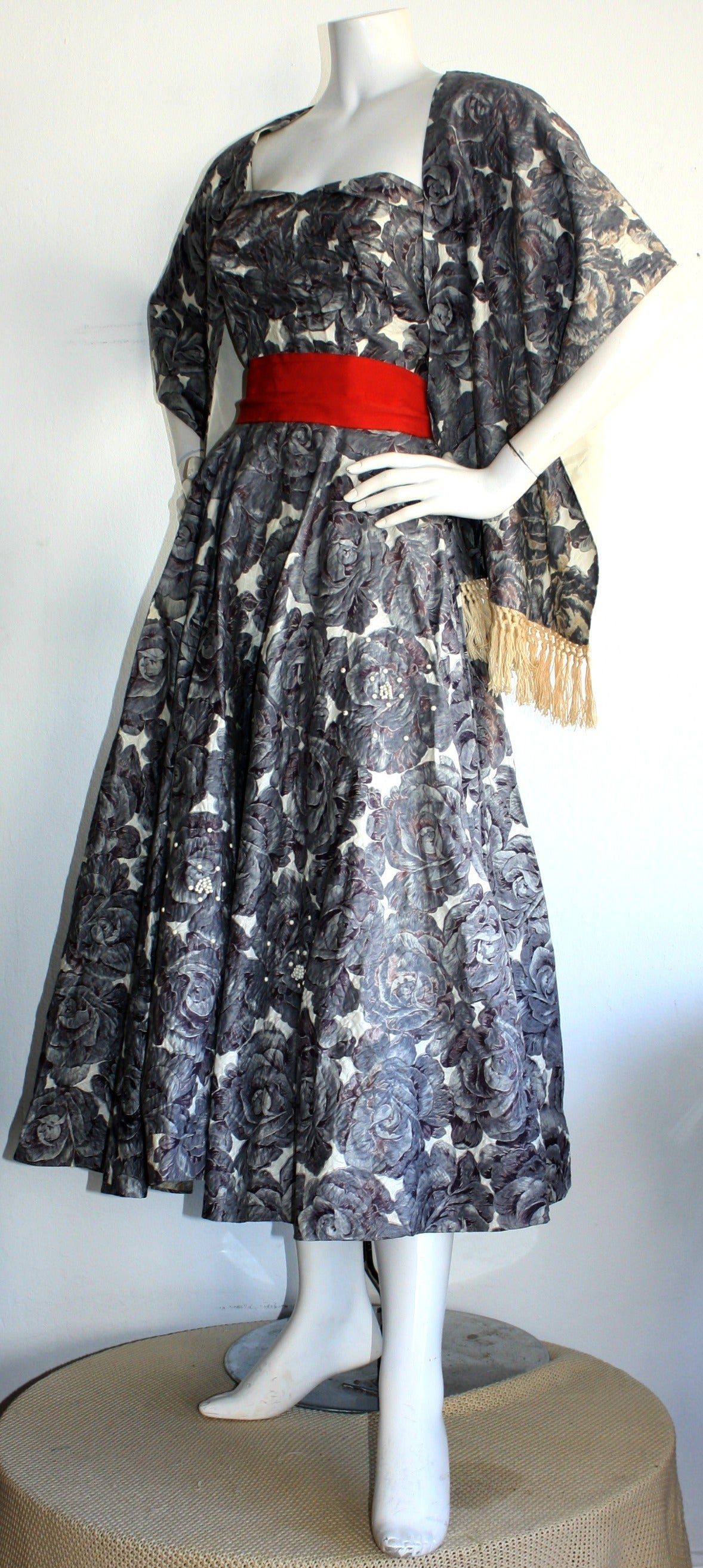 Women's Stunning 1950s Vintage Fred Perlberg Beaded Rose Dress & Shawl For Sale