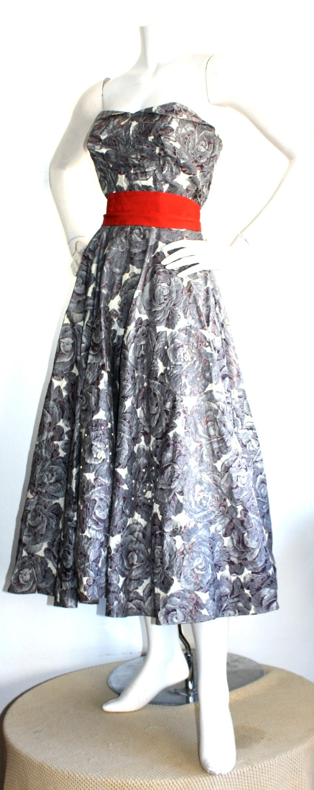 Gray Stunning 1950s Vintage Fred Perlberg Beaded Rose Dress & Shawl For Sale