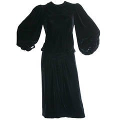 Vintage Oscar de la Renta Balloon Sleeve Black Velvet Dress