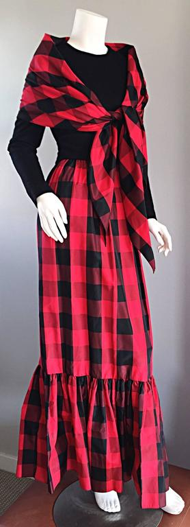 Chic Vintage Anne Fogarty 1970s Black and Red Checkered Dress and Shawl Set 70s For Sale 1