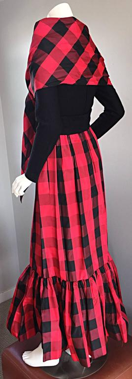 Chic Vintage Anne Fogarty 1970s Black and Red Checkered Dress and Shawl Set 70s In Excellent Condition For Sale In Chicago, IL