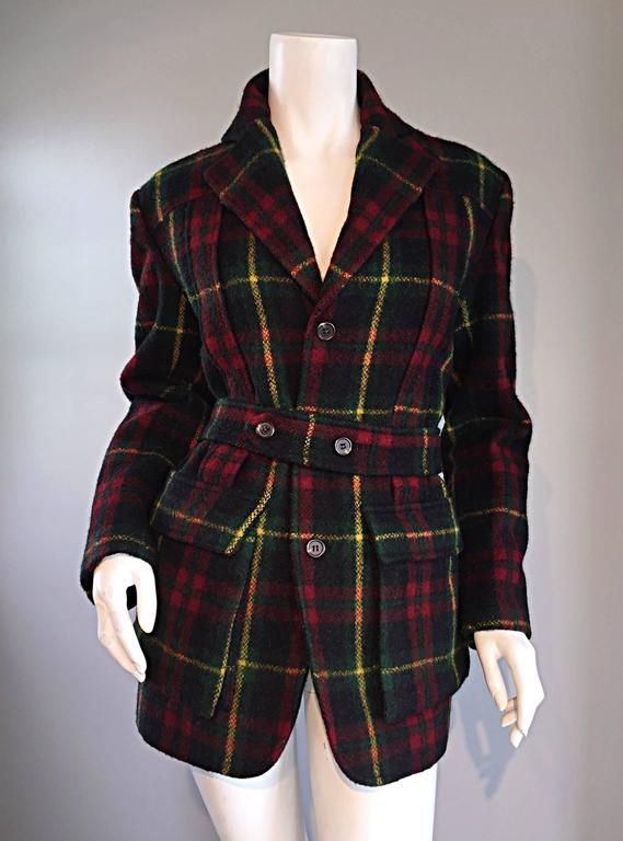Wonderful and classic vintage RALPH LAUREN wool tartan plaid belted jacket! Signature Ralph Lauren plaid of green, red, and yellow. Detachable matching adjustable belt. Pockets at both sides of waist, and on interior. Great fit, that is not too
