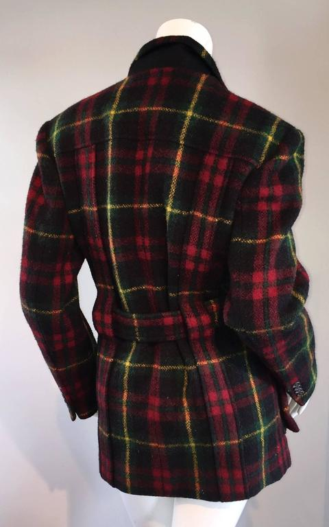 Classic Vintage Ralph Lauren ' Blue Label ' Tartan Plaid Belted Wool Car Coat In Excellent Condition For Sale In San Francisco, CA