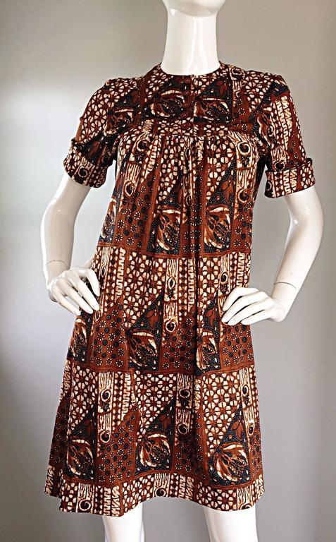 1960s Joseph Magnin Vintage Tribal Print Ethnic A - Line Trapeze Babydoll Dress For Sale 2