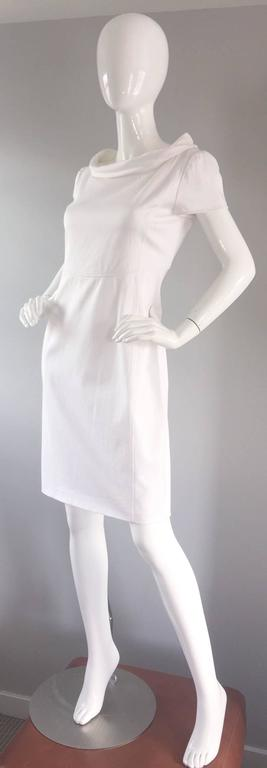 Brand New Valentino White Jackie O 1960s 60s Style Cowl Neck Dress Rt. $3,800 In Excellent Condition For Sale In San Francisco, CA