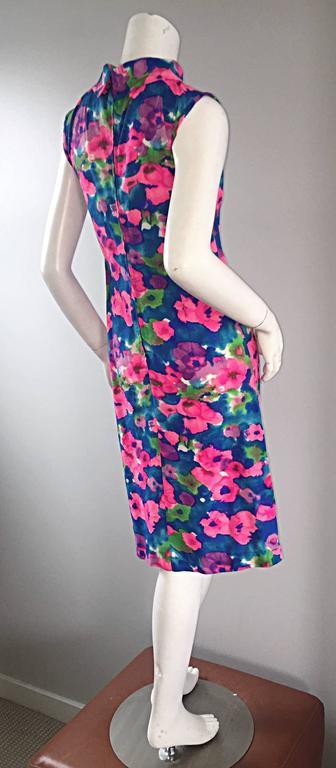 Chic Vintage 1960s Floral Watercolor Print A - Line 60s Colorful Dress  For Sale 3