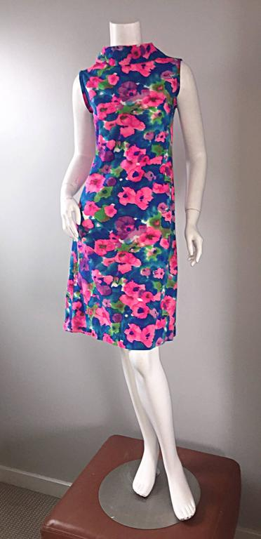Chic Vintage 1960s Floral Watercolor Print A - Line 60s Colorful Dress  For Sale 2
