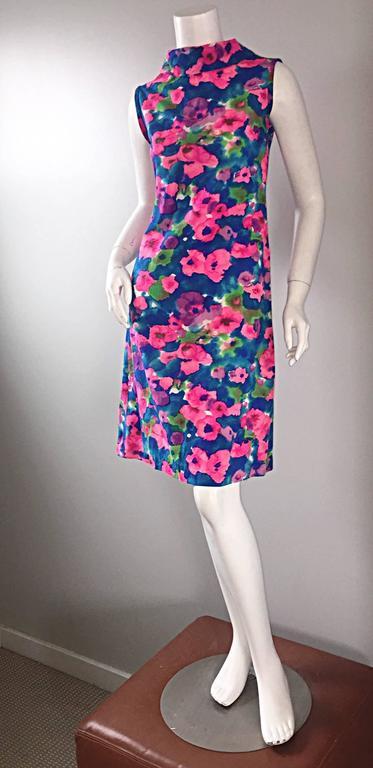 Chic Vintage 1960s Floral Watercolor Print A - Line 60s Colorful Dress  For Sale 4