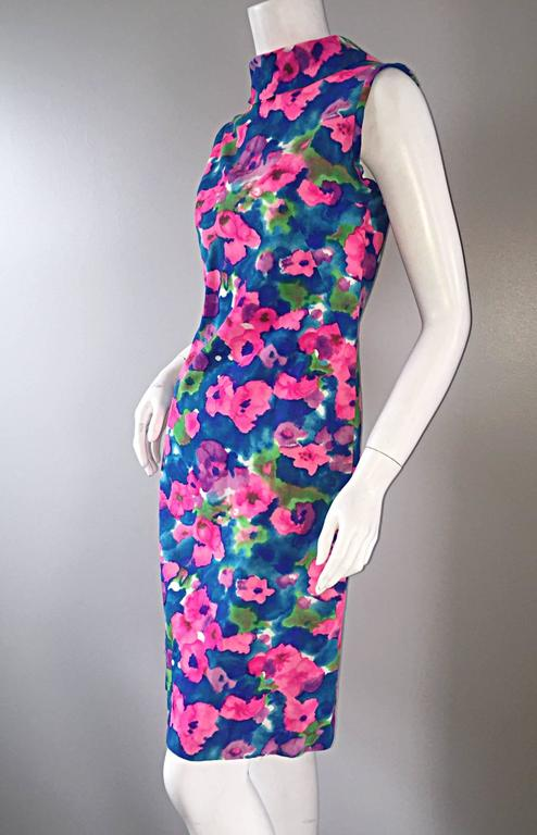 Chic Vintage 1960s Floral Watercolor Print A - Line 60s Colorful Dress  In Excellent Condition For Sale In Chicago, IL