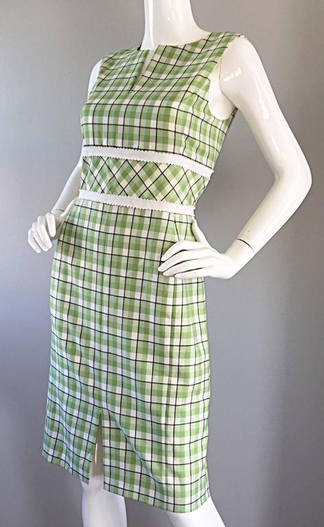 Beige Oscar de La Renta Size 6 / 8 Saks 5th Ave Green + White Checkered Plaid Dress  For Sale