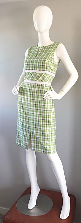Oscar de La Renta Size 6 / 8 Saks 5th Ave Green + White Checkered Plaid Dress  In Excellent Condition For Sale In Chicago, IL