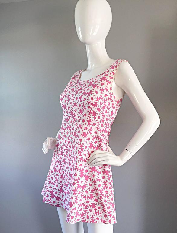 Adorable 1990s Jill Stuart Pink + White Daisy Print A - Line 90s Babydoll Dress  For Sale 1